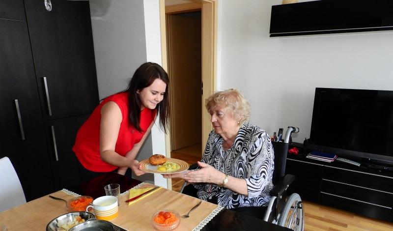 Pomoc seniorům
